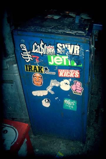 http://revista.escaner.cl/files/u202/sticker_visualgore_nuevayork.jpg