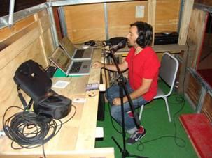 C:\Carolina 2011\CAROLINA\Libro\2009\MARIO NAVARRO_Radio Ideal_2003-2005_baja.jpg