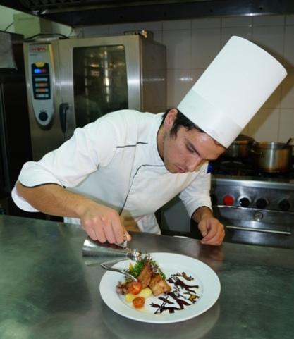 Chef Jaime Cisterna en acción. Foto: gentileza del artista.