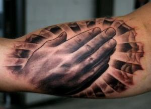 Mano - tatuaje por Sergio Villagrán